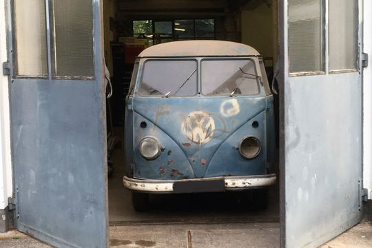 1. Barndoor VW Radarwagen VW Radar Bulli