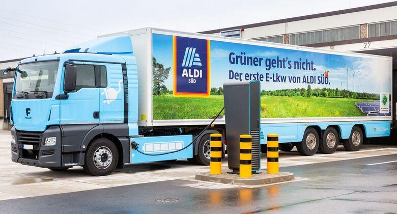 ALDI SÜD bringt ersten Elektro-Sattelzug mit Kühlung auf die Straße