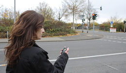 Autobahnkanzlei FF 1/2021, Rechtsanwältin Sofia Karipidou, Wiesbaden, Tatort, Mandant, Telefonat, Stoppuhr