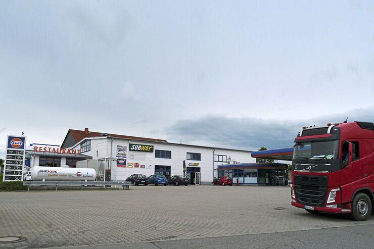 Autohof Treuen, FF 10/2017, Truckstop.