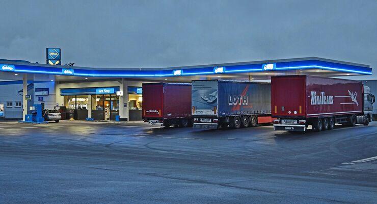 Autohof Truckstop Holzland