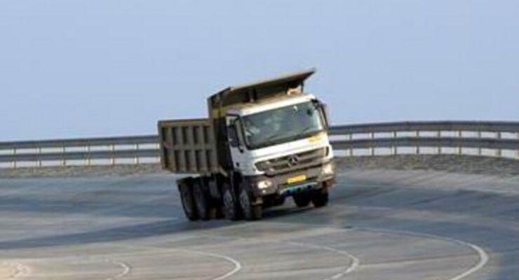 Daimler eröffnet indische Teststrecke