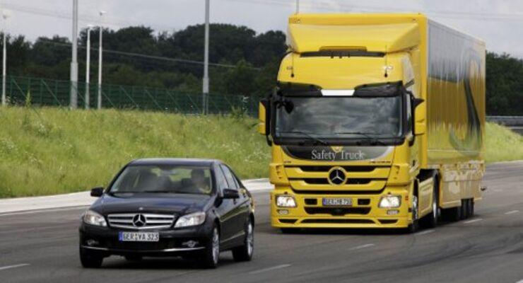 Daimler zeigt sein Sicherheitspaket