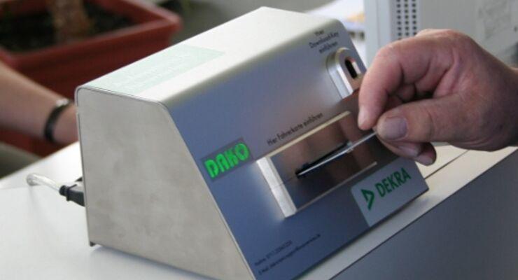 Dako-Gerät zum Auslesen der Fahrerkarte