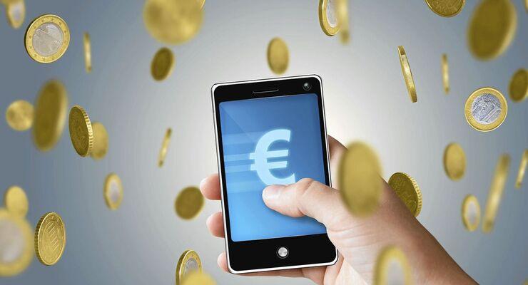 Der richtige Vertrag fürs Smartphone spart Geld.