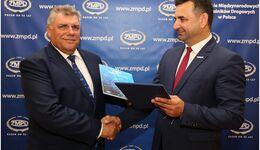 Die Frachtenbörse Timocom und der polnische Frachtführerverband ZMPD kooperieren für weitere zwei Jahre.
