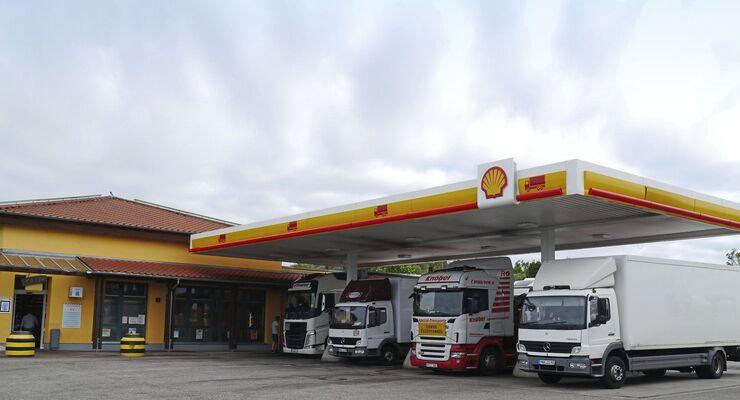 Euro Rastpark Autohof Truclstop Acher´n KOch empfirhlt Shell Tankstelle