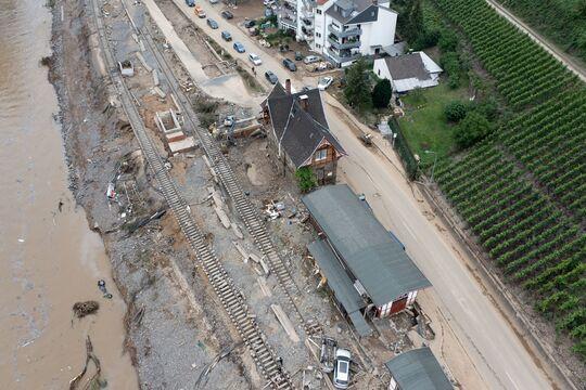 Folgen des gravierenden Unwetters in Rheinland-Pfalz - hier: Heimersheim