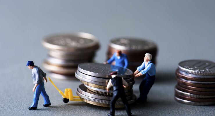 Geld, Bank, lLohn, Währung, Symbol,  Erfolg, wachsen, Kapitalanlage, Wert,  Nachfolge, Steuer, Entwicklung,  Leistung, Sparsamkeit, Gold,  wirtschaftliches, Buchhaltung, Finanzen, verstecken, Rente,  entlohnen, Darlehen, Münze, Business, tauschenm Einsparung,  Bonus, Umsatzsteuer