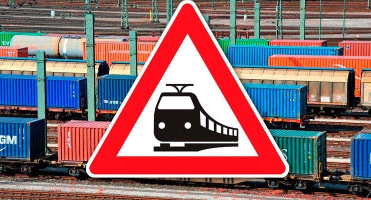 Güterzug der Deutschen Bahn (DB)