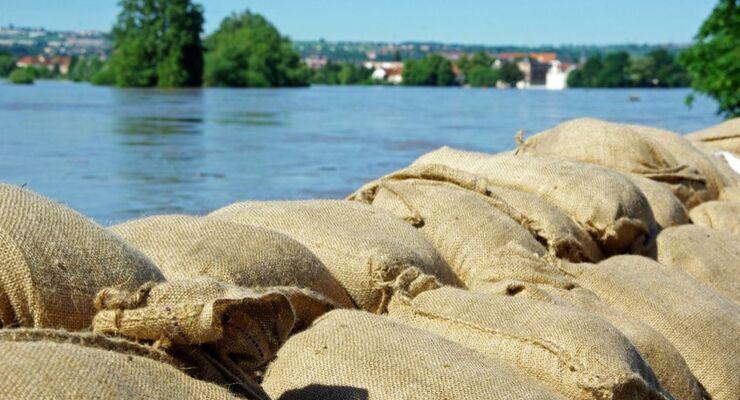 Hochwasser, Sandsäcke