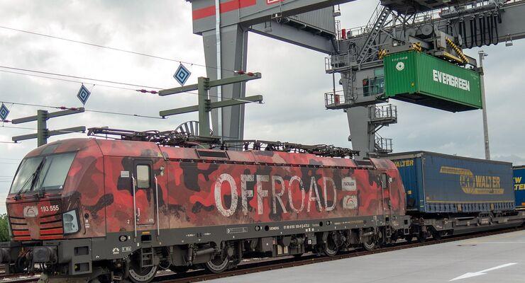 Intermodalzug von TX Logistik
