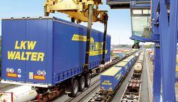 Kombinierter Verkehr bei Lkw Walter
