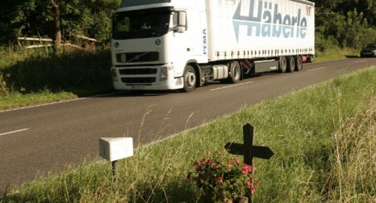 Landstraße birgt hohe Todesgefahr