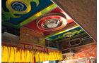 Lkw-Fahren in Nepal, das Interieur der Lkw