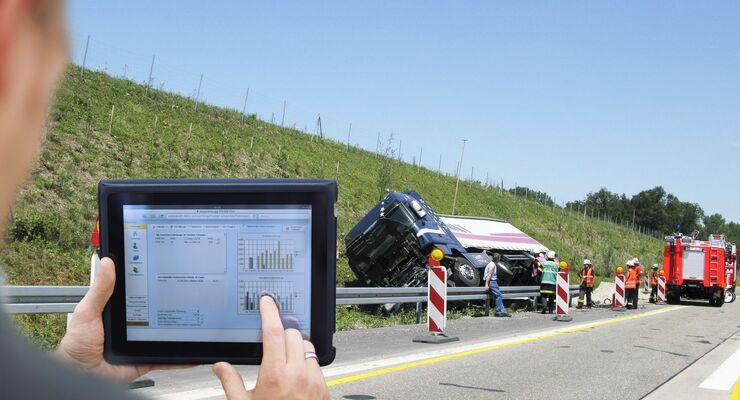 Lkw, Graben, Unfall, Schaden, Tablet