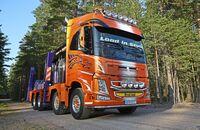 Load with Style. Holzlaster mit Ladekran, Supertruck FF 4/2018. Schweden, Volvo FH.