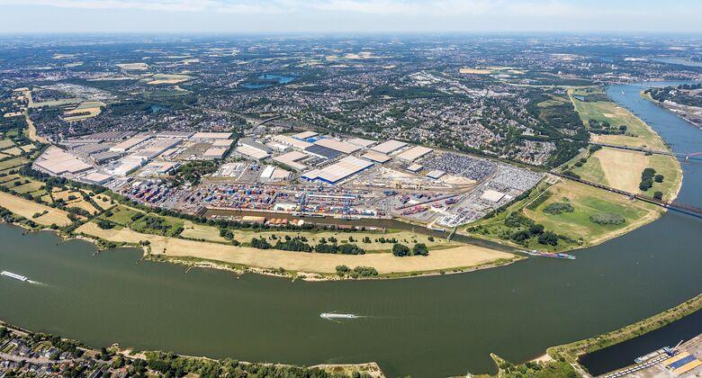 Luftaufnahme des Duisburger Hafens