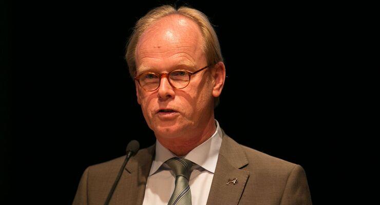 MAN, MAN Vice President Ben Krjaaijenhagen auf dem Zukunftskongress von lastauto omnibus in Ludwigsburg.