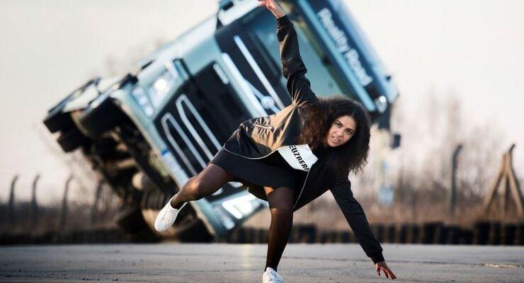 Mapei, Videoclip, volvo trucks