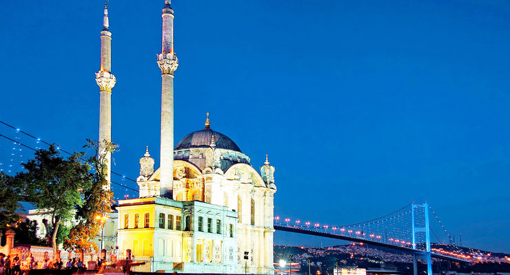 Night at Ortakoy in Istanbul