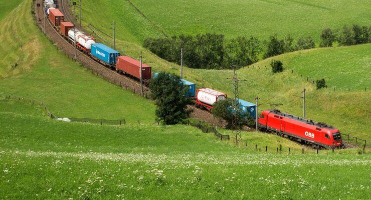 ÖBB Rail Cargo Group (RCG) und die Kombiverkehr kooperieren.