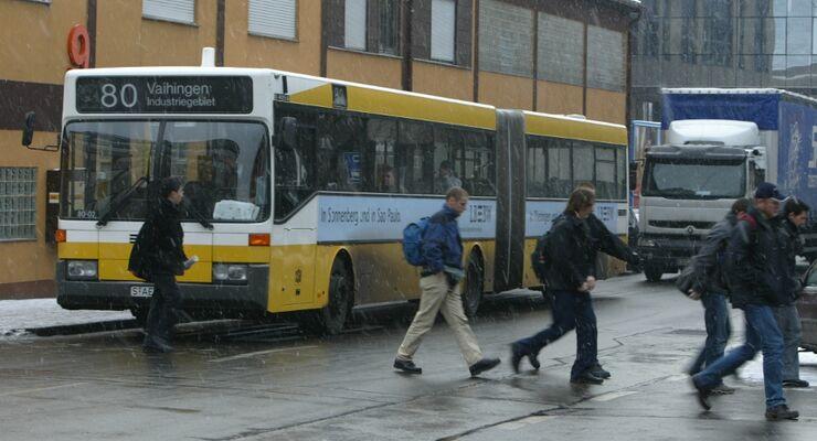 Omnibus, Fußgänger, Stuttgart