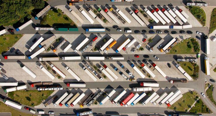 Parkplatzservice für Brummifahrer / Parking bay service for truck drivers