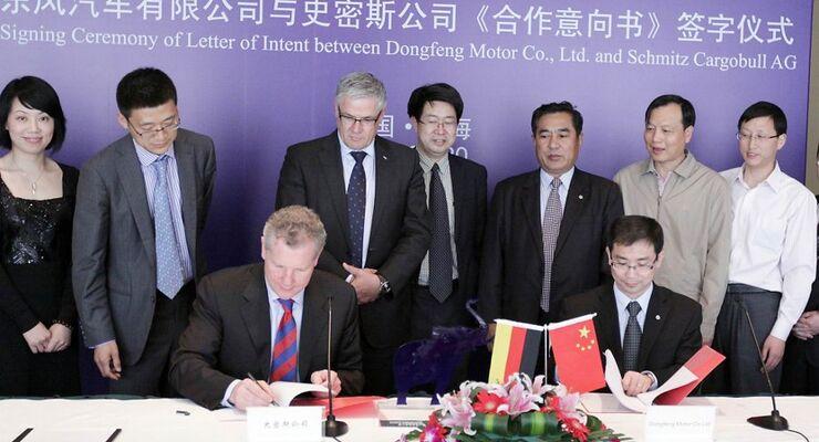 Schmitz Cargobull, Dongfeng, Joint Venture, Vertragsunterzeichnung