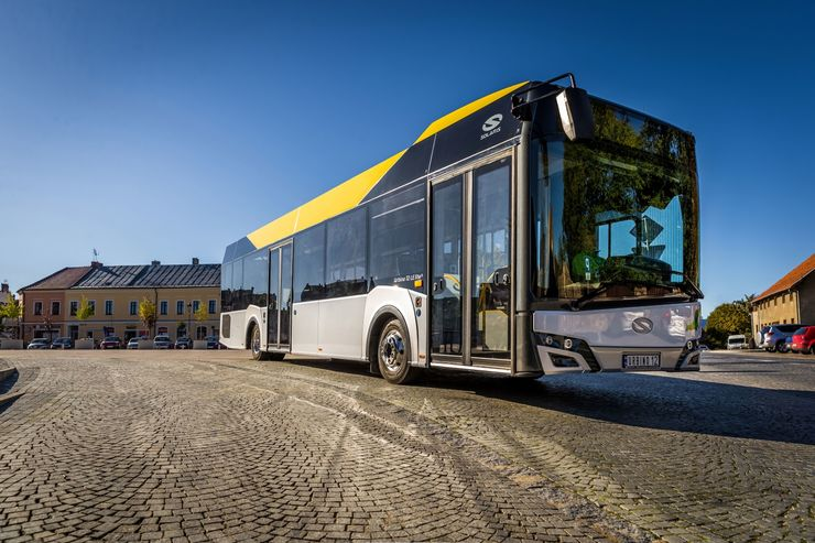 Solaris Urbino 12 LE lite hybrid und Urbino 12 electric auf der 8. Central European Bus & Public Transport Messe Czechbus in Prag