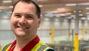 Thomas Staus, Standortleiter des Amazon-Verteilzentrums in Köln