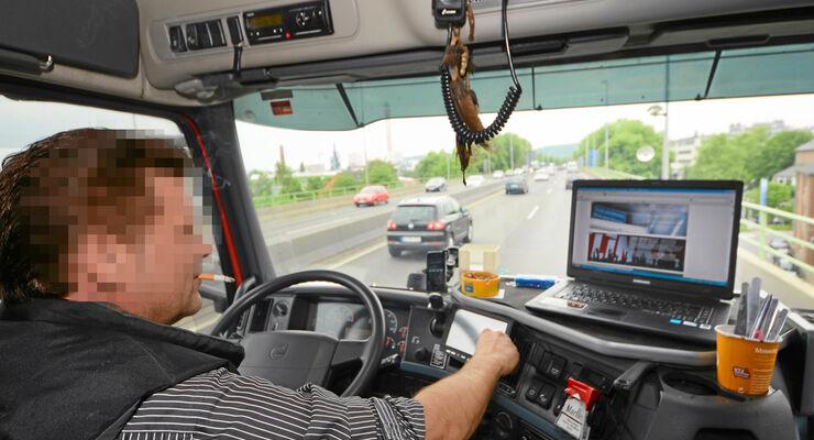 Unaufmerksamkeit als Unfallursache, Fahrer, abgelenkt